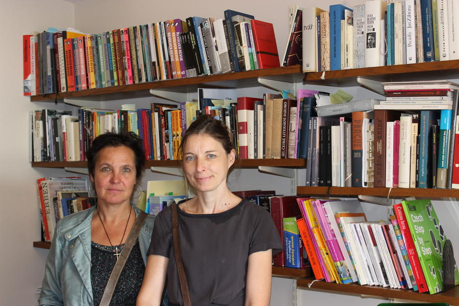Czech poet, Sylva Fischerová (left) with Veronika Tuckerova, our Czech instructor