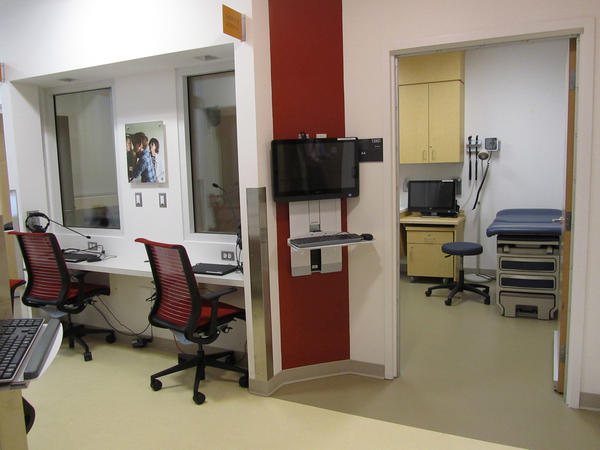 Clinical Skills Center exam room. Image: Grace Fehrenbach