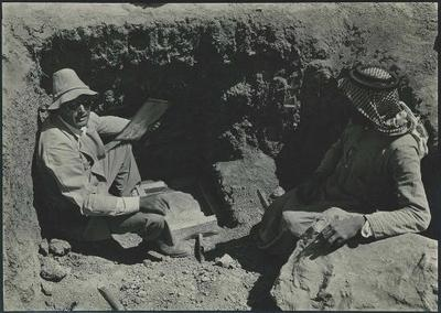 Excavation of tablets, Persepolis