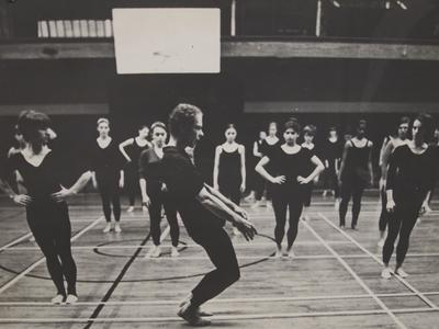 Merce Cunningham teaches a master class at Radcliffe Gym, 1982