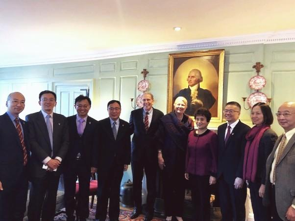 Picture of Margot Gill with full Chinese medical education delegation.