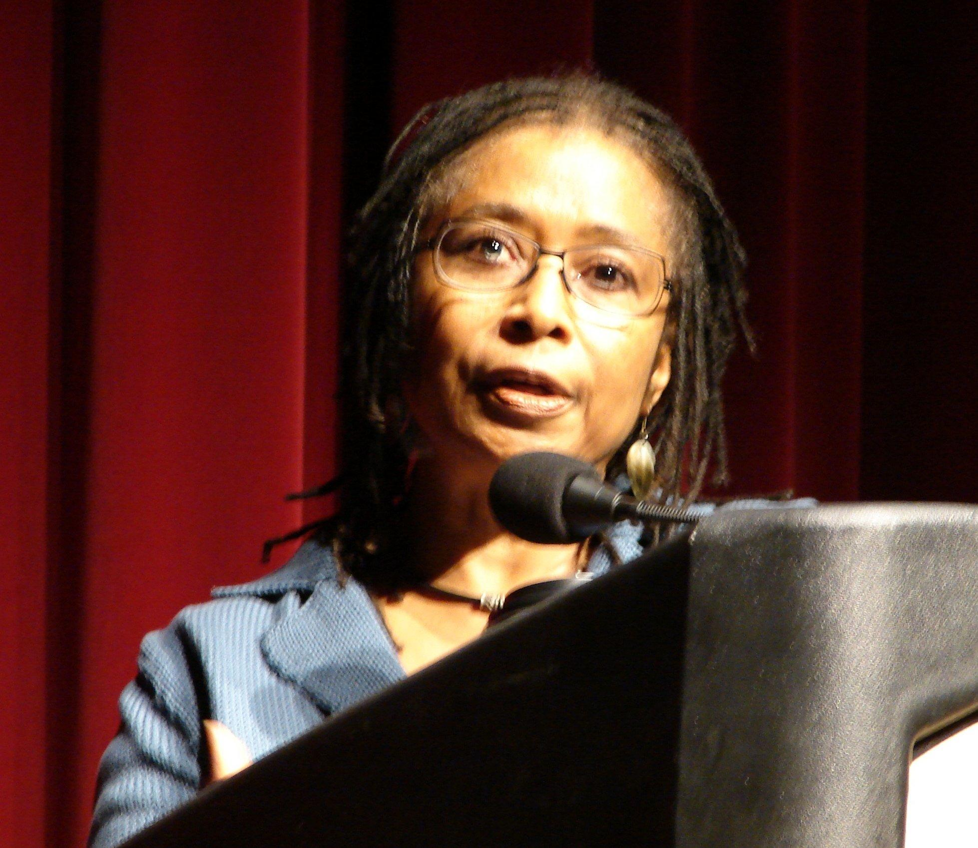 Virginia DeBolt, Alice Walker speaks, CC BY-SA 2.0, http://bit.ly/2aNv9FC