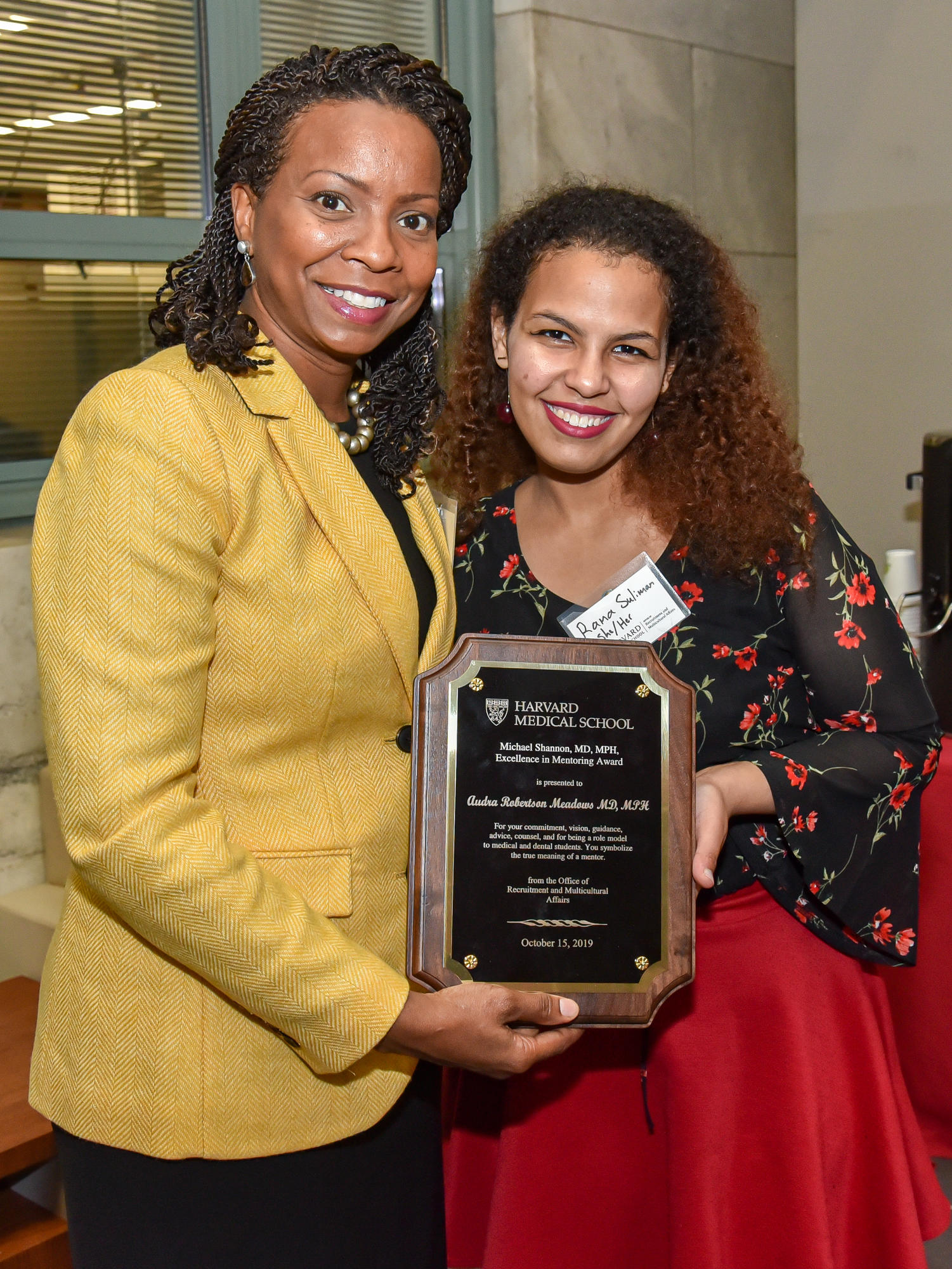 Audra Meadows, MD, MPH and Rana Suliman with award plaque. Image: Steve Lipofsky