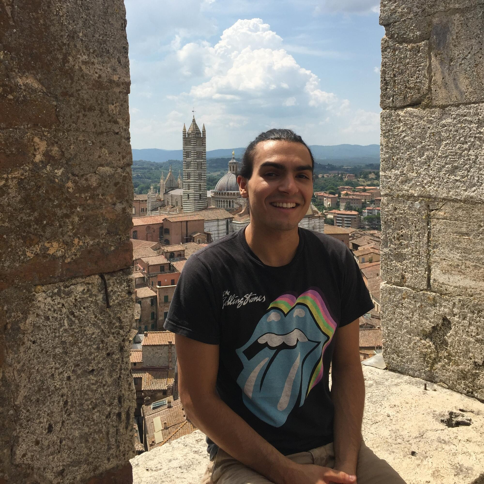 Student Even Vietorisz '20 in Cuba, partically funded by Artist Development Fellowship