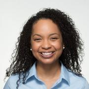 HSDM General Practice Resident Shanele Williams receives the Joseph L. Henry Oral Health Fellowship