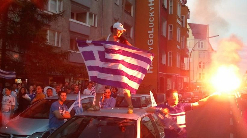 Greek pride during the European Championship. Photo credit: Jonathan Mijs