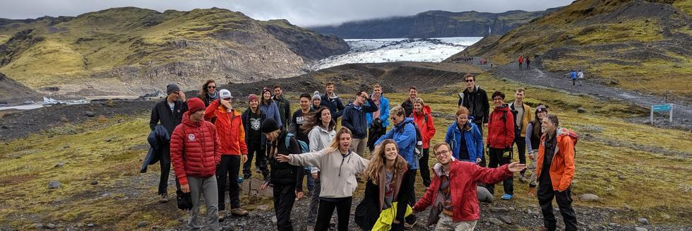 Photo of EPS students in Iceland